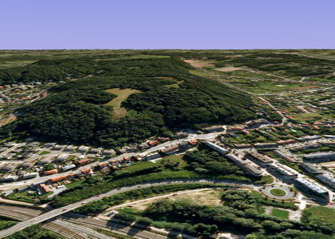 De Kesselberg te Leuven (Google Maps view anno 2010): nu veel meer bebost en bebouwd dan in de jaren '30