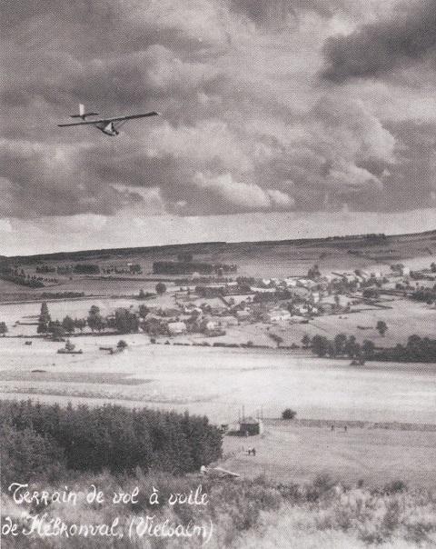 Postkaart van het zweefvliegterrein te Hébronval bij Vielsalm in de Ardennen