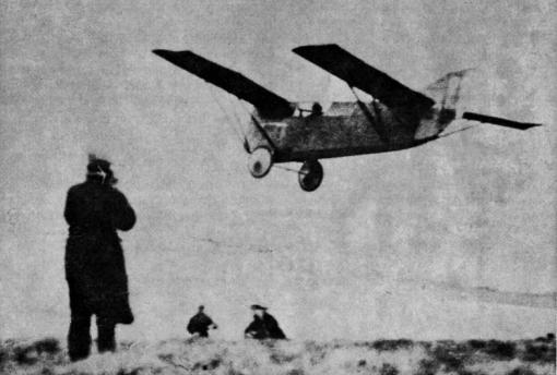 Engeland: de Franse piloot Alexis Maneyrol bouwt na het AFA congres samen met ingenieur Louis Peyret een beter toestel en maakt op de Engelse wedstrijd van Itford Hill (in de buurt van Lewes, Sussex), georganiseerd door de Daily Mail, een vlucht van 3 uur 21 minuten.